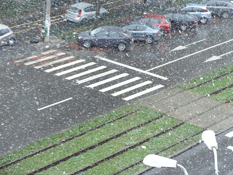 prima-ninsoare-in-Bucuresti-25-octobrie-2014