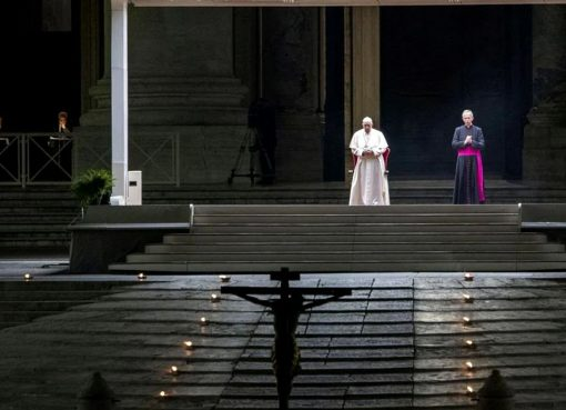 Papa-Francisc-Vinera-Mare