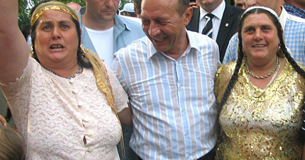 Traian-Basescu-si-clanurile-tiganesti